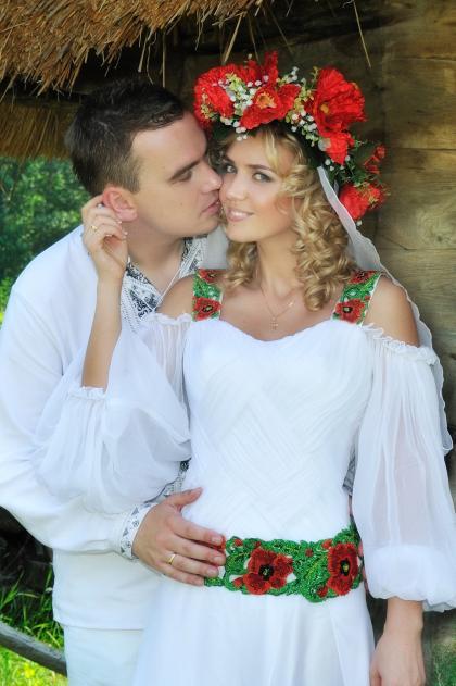 Сукня нареченої в українському стилі  03760337b2d25