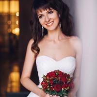 svadebnaya_pricheska_s_chelkoi_16